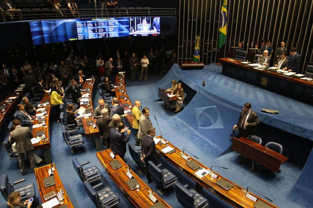 Plenário do Senado aprova MP que autoriza a participação de até 100% de capital estrangeiro em companhias aéreas brasileiras..