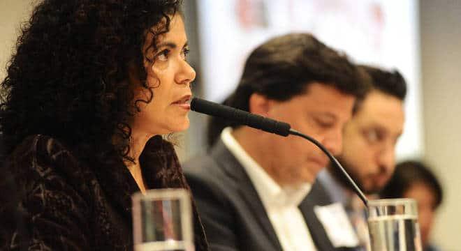 Elisiane afirma que empresas podem ser multadas por conduta de discriminação José Antonio Teixeira/Alesp