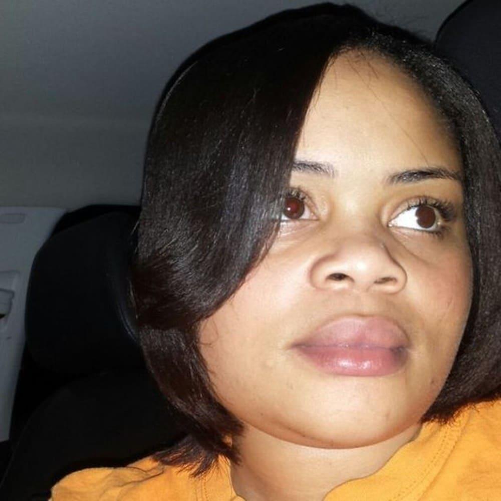 Policial dispara pela janela e mata mulher negra em seu próprio quarto nos EUA