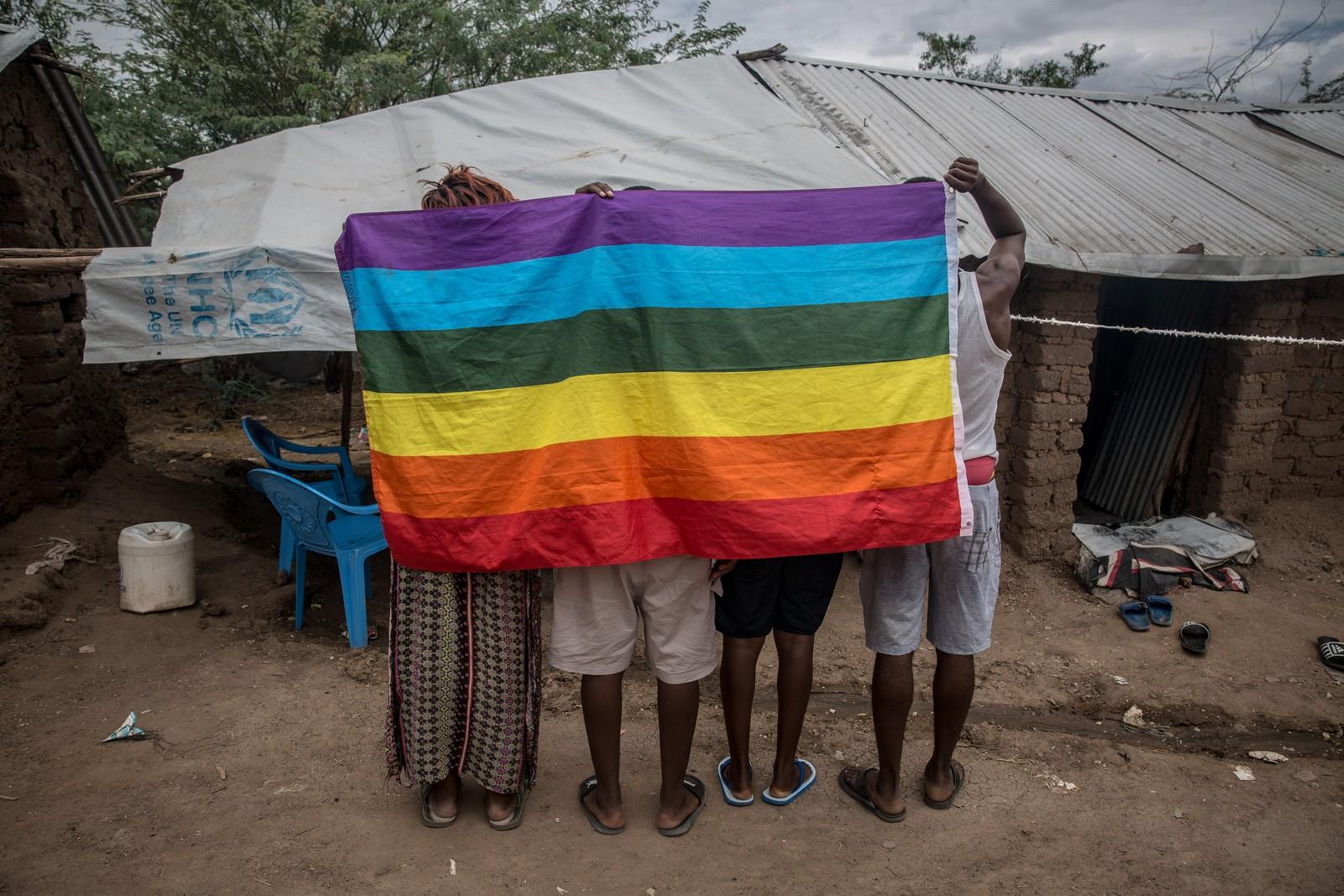 Refugiados LGBT de Uganda e outros países da África se protegem em campo no Quênia — Foto: Thomson Reuters Foundation/Reuters