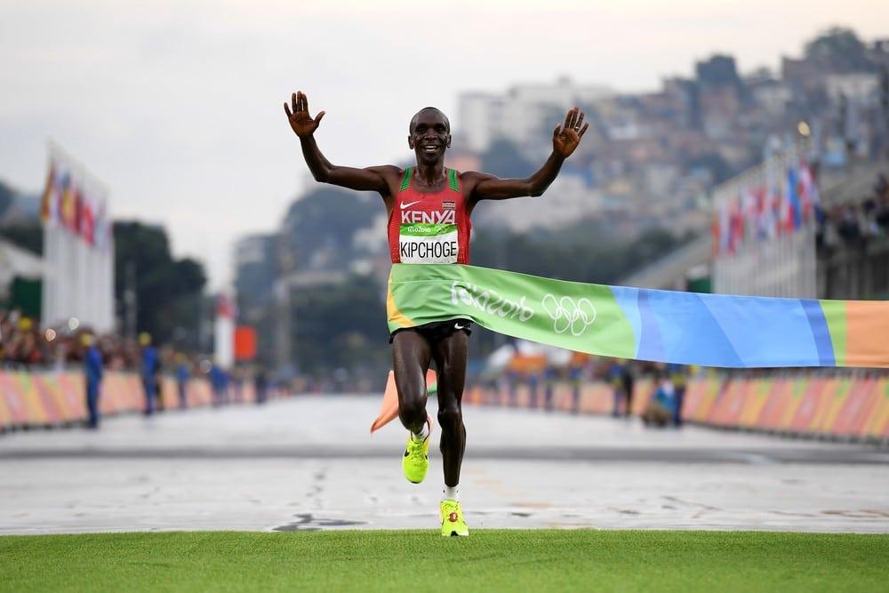 Malária em 2002 e ouro na Rio 2016: conheça Eliud Kipchoge, o 1º homem a correr uma maratona em menos de 2h