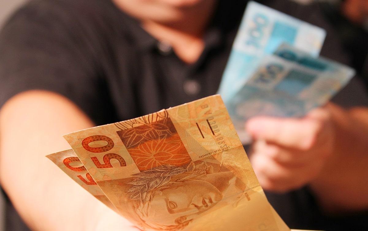 A pesquisa mostra que a média dos trabalhadores é de R$ 700 mensais, enquanto 10% do mais ricos, tem uma média mensal de R$ 8 mil (EBC)