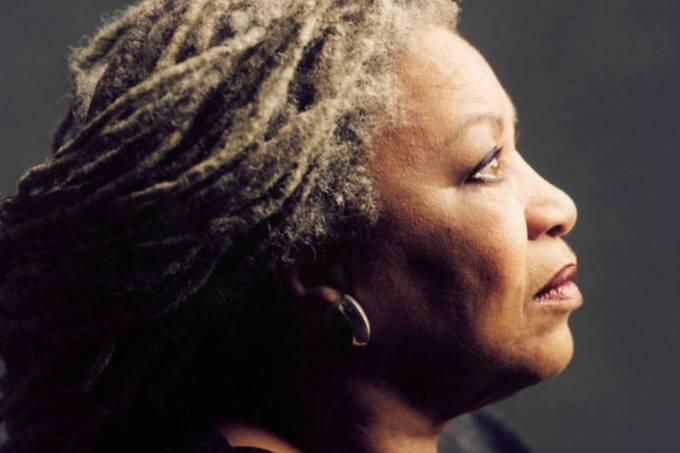 Toni Morrison: escritora produziu romances com temas tabus para a época (Timothy Greenfield-Sanders/Bloomberg)