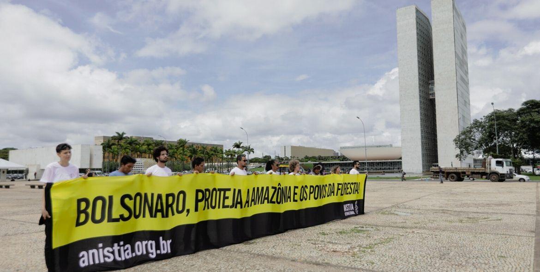 Bolsonaro se nega a receber a Anistia Internacional e lideranças indígenas que exigem a proteção da Amazônia e dos povos tradicionais