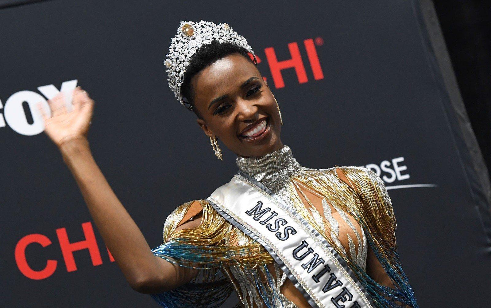 Sul-africana é coroada Miss Universo 2019 e fala contra o racismo