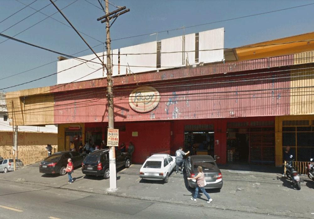 Supermercado Ricoy da Avenida Yervant Kissajikian, 1.918, onde mulher acusa outros seguranças de apontar arma para ela — Foto: Reprodução/Google Maps