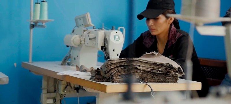 Na cidade de São Paulo, o setor têxtil é um dos campeões em trabalho escravo contemporâneo: 320 trabalhadores resgatados por auditores-fiscais em 9 anos (Foto: Al Jazeera e Repórter Brasil)