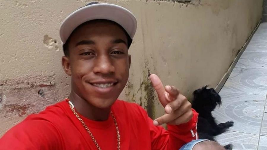 Carlos Eduardo dos Santos Nascimento, 20, desaparecido após abordagem feita por policiais militares em Jundiaí (SP) Imagem: Arquivo pessoal