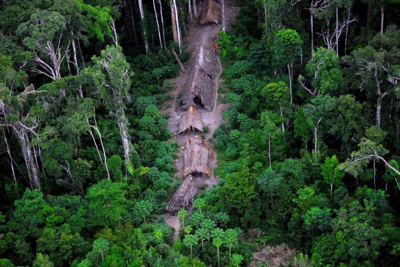 Política da Funai há mais de 30 anos defende que indígenas isolados permaneçam nessa condição, já que contatos anteriores resultaram em mortes e perda de cultura ancestral (Foto: Gleilson Miranda/CGIIRC/Funai)
