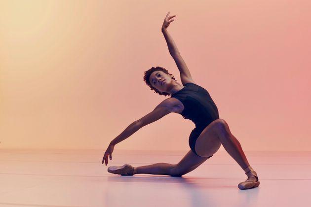 CARLOS SERRAO AT @CARLOS_SERRAO A bailarina brasileira Miranda Silveira, que integra o San Francisco Ballet.