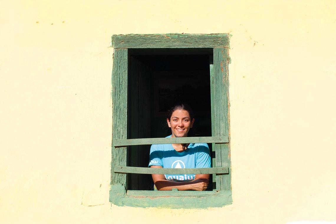 Anna durante implantação do sistema Aqualuz na comunidade quilombola de São Gonçalo, em Contendas do Sincorá, Bahia Arquivo pessoal