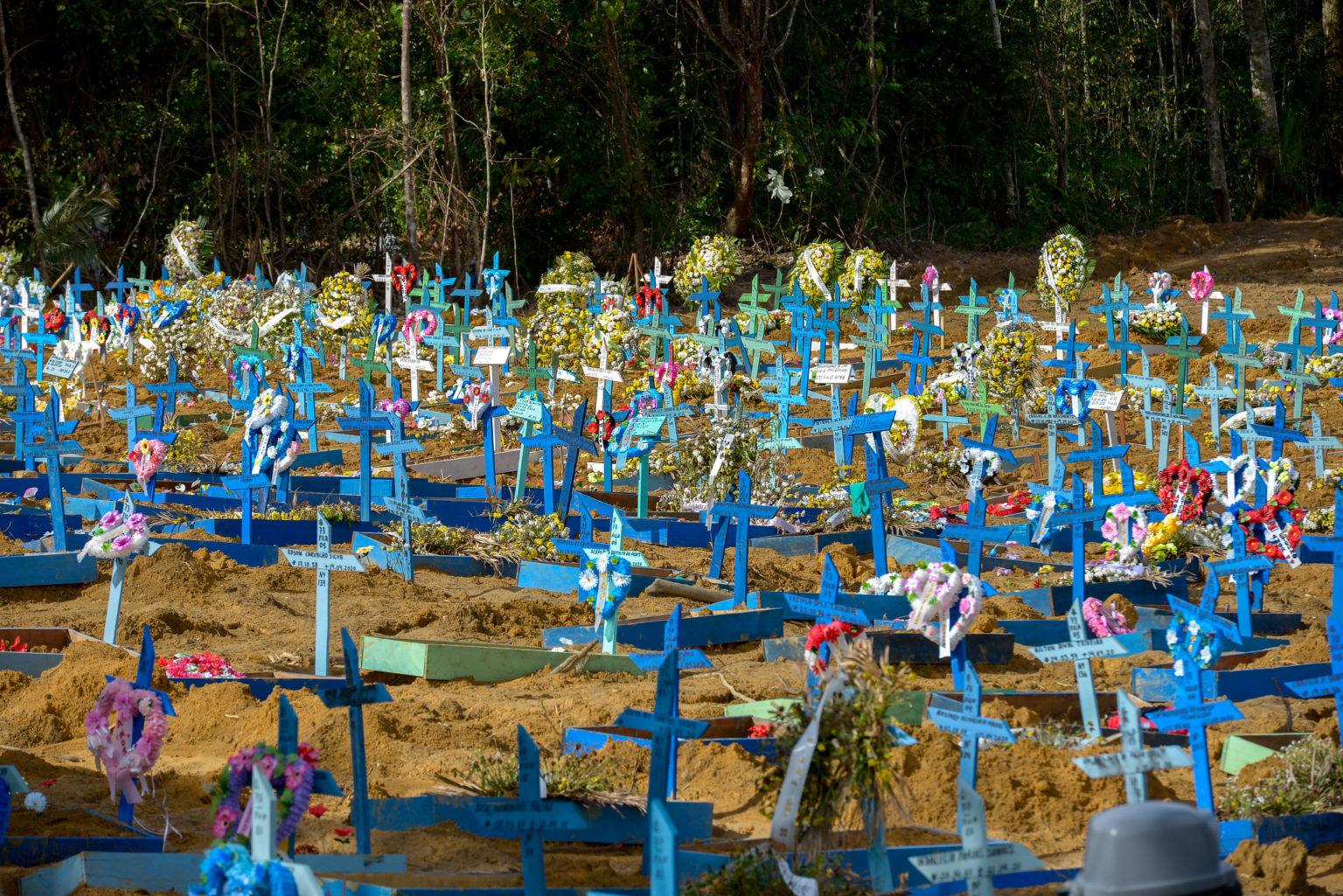 Cemitério Público Nossa Senhora Aparecida, em Manaus. Foto: Alex Pazuello/Semcom