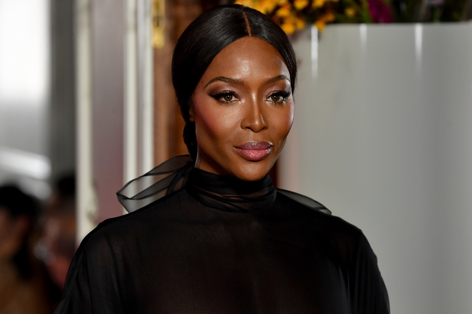 A supermodelo Naomi Campbell é conhecida por quebrar barreiras na indústria da moda(Foto: PASCAL LE SEGRETAIN/GETTY IMAGES)