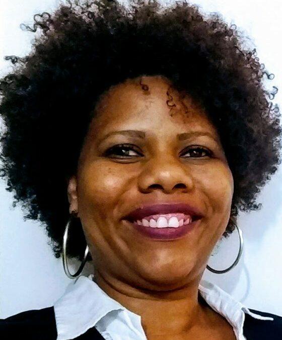 Karine Santana é docente de Saúde Coletiva, doutoranda em Medicina e Saúde na Faculdade de Medicina da Universidade Federal da Bahia e pesquisadora no Núcleo de Estudos e Pesquisa em Gênero, Raça e Saúde (NEGRAS). Foto: Acervo Pessoal
