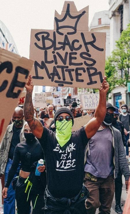 Lewis Hamilton participa de protesto antirracista em Londres (Foto: Reprodução/ Instagram)