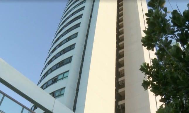 Edifício Pier Maurício de Nassau em Recife, de onde o menino Miguel caiu do 9º andar (Reprodução / TV Globo)