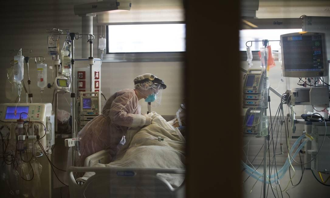 UTI exclusiva para pacientes da Covid-19 no Hospital Copa Star, em Copacabana Foto: Márcia Foletto / Agência O Globo