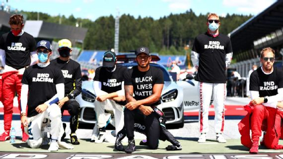 Pilotos da F1 protestam contra o racismo antes da largada para o GP da Áustria Getty
