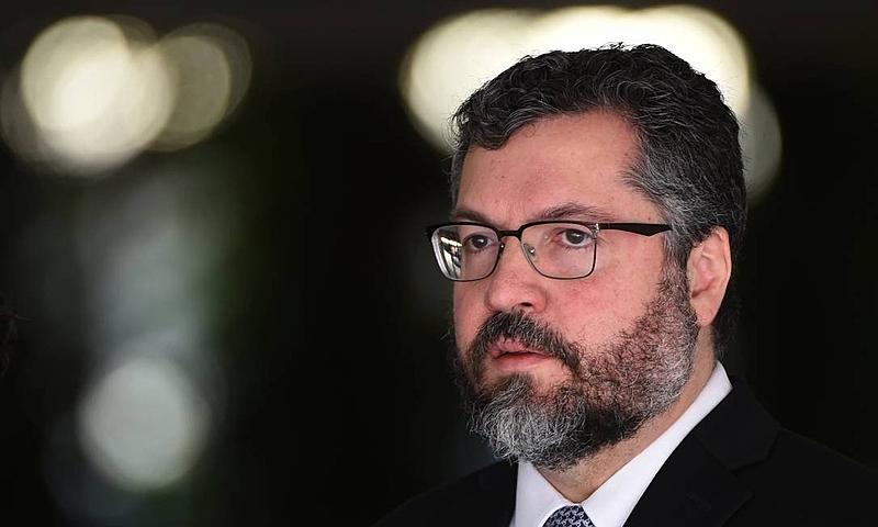 Material com frases racistas e ataques ao MST e ao ex-presidente Lula foi disponibilizado pelo Itamaraty para ser utilizado em cursos de língua portuguesa em 44 países - Evaristo Sa/AFP