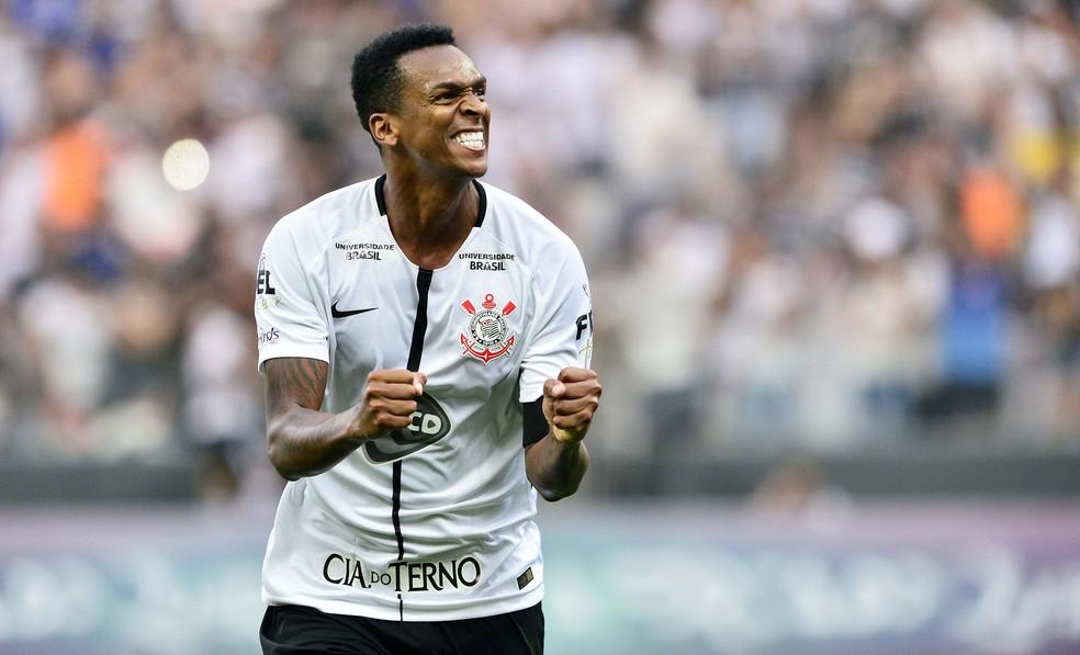 Jô foi campeão paulista e brasileiro pelo Corinthians em 2017 — Foto: Marcos Ribolli