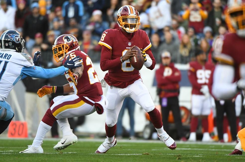 Josh Johnson em ação pelo Washington Redskins — Foto: Christopher Hanewinckel / USA Today