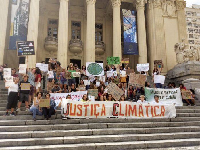 Manifestação pela Justiça Climática - Rio de Janeiro (Reprodução/Twitetr)