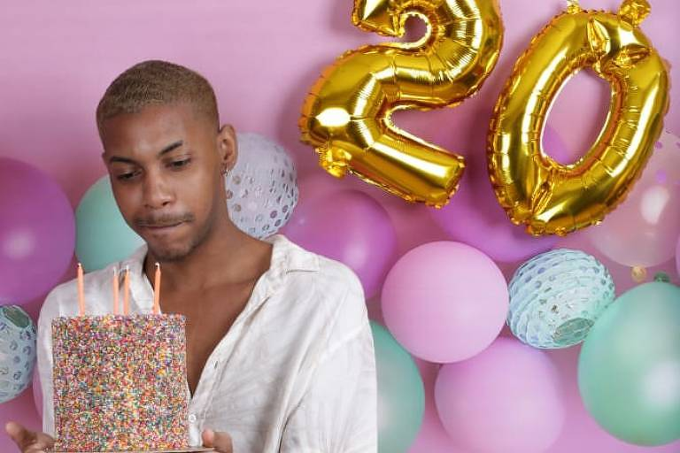 O confeiteiro Bernardo Marins, 20, em fotos feitas dois antes de seu aniversário, 18 de agosto, quando relata ter sofrido racismo em supermercado do Rio - Arquivo Pessoal