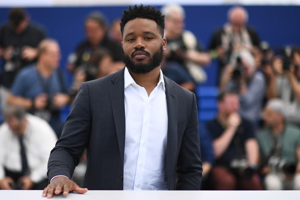 """Ryan Coogler, diretor de """"Panetra Negra"""", posa para fotos durante 71ª edição do festival de Cannes — Foto: Anne-Christine POUJOULAT / AFP"""