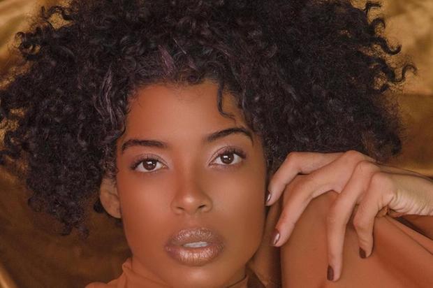 Modelo Mariana Vassequi se pronuncia sobre caso de racismo envolvendo cabeleireiro (Foto: Reprodução/Instagram) )