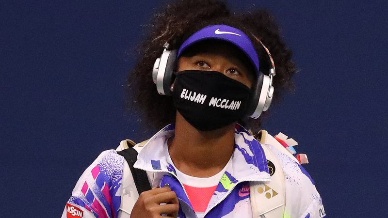 Naomi Osaka homenageia vítima de racismo no US Open - Foto: Matthew Stockman/Getty Images