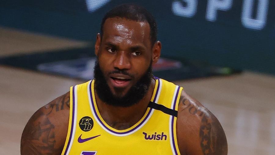 LeBron James, do Los Angeles Lakers, contra o Portland Trail Blazers no quinto jogo da série nos playoffs da NBA-2020 Imagem: Kevin C. Cox/Getty Images/AFP