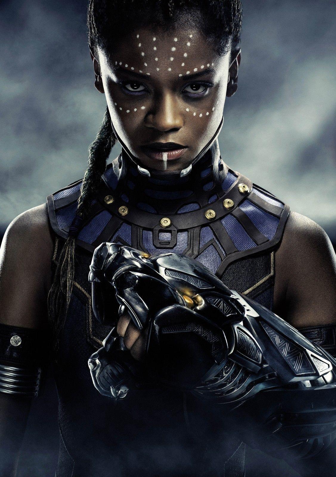 Shuri em pôster do primeiro 'Pantera Negra' (Foto: Divulgação/ Marvel)