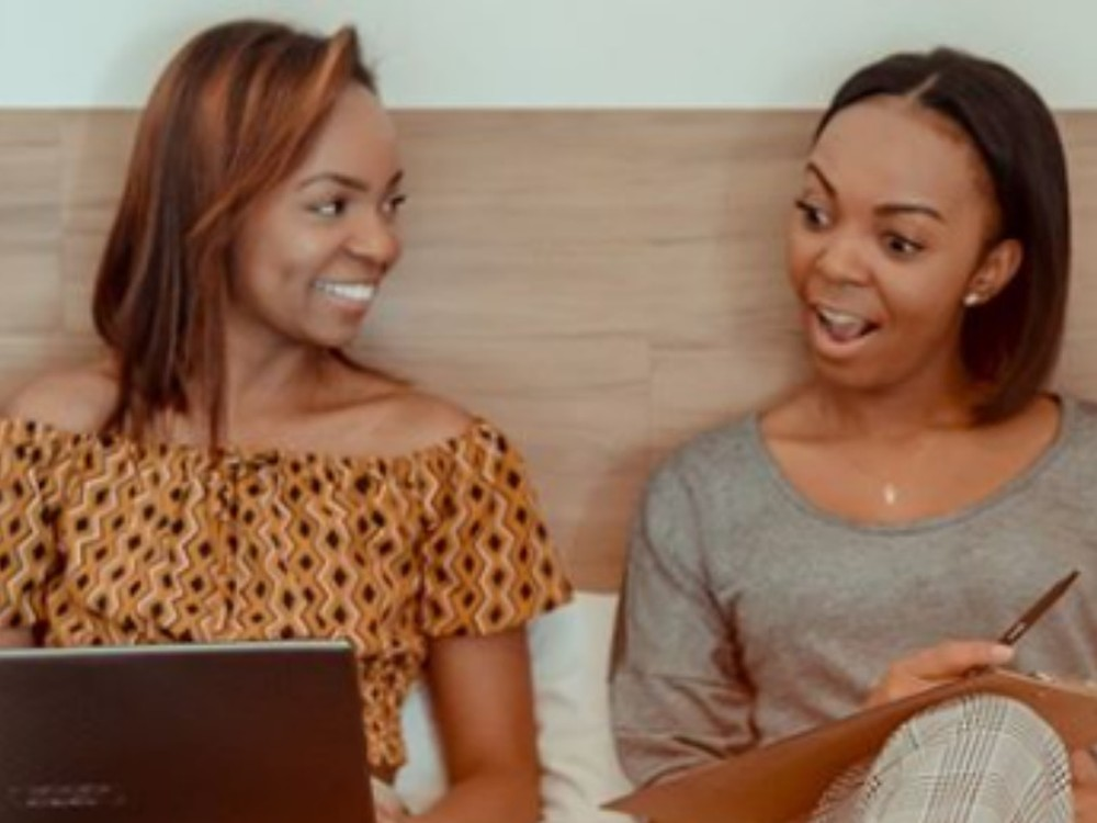 Moradora de Goiás, irmãs Betty e Brenda Agi estão entre os 100 afrodescendentes mais influentes do mundo — Foto: Reprodução/Instagram
