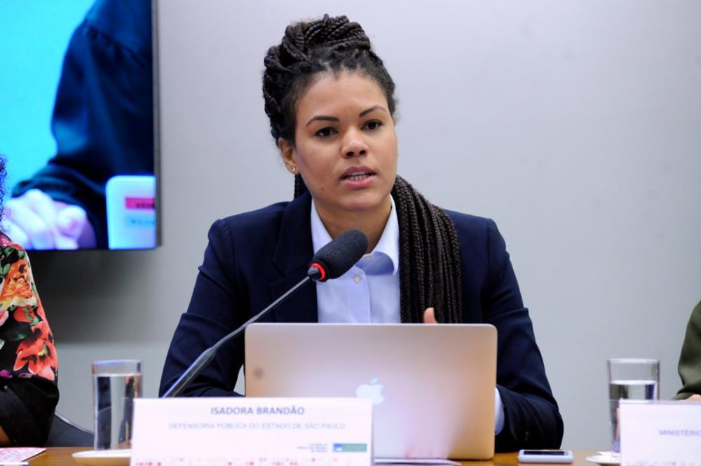 Isadora Brandão (Reprodução/Facebook/Comissão de Defesa dos Direitos da Mulher)