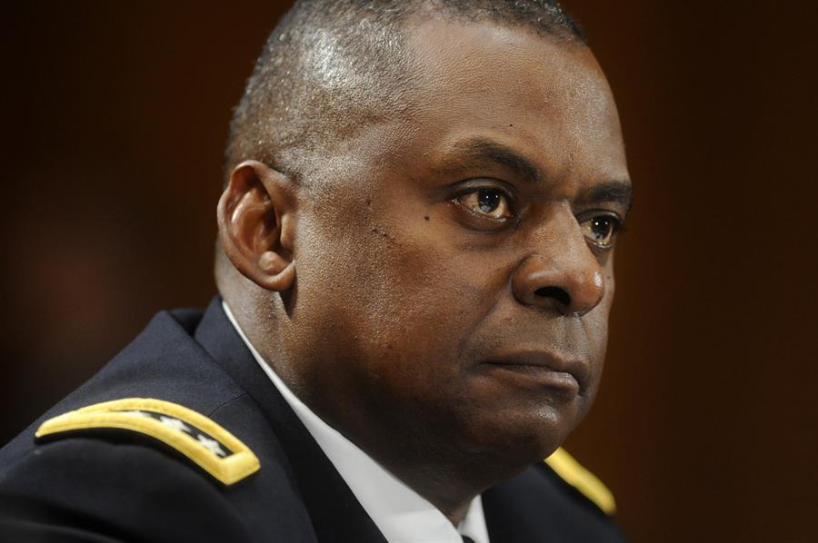 O general aposentado Lloyd Austin (Foto: EFE/EPA/MICHAEL REYNOLDS)