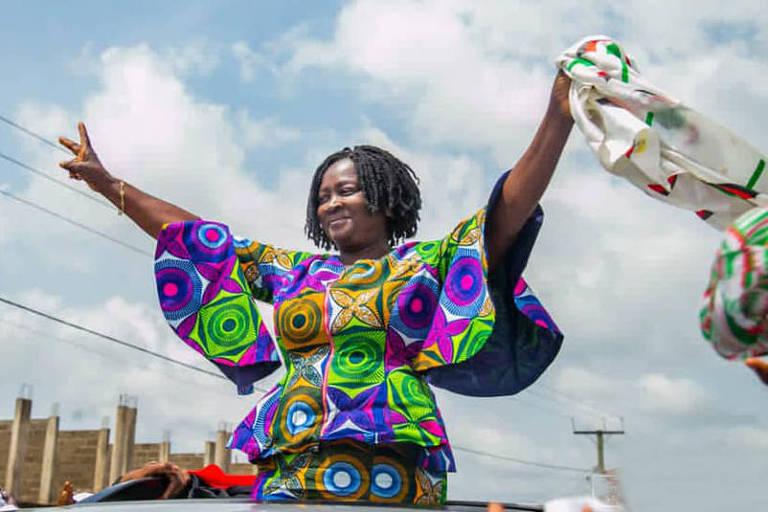 A professora e candidata à Vice-Presidência de Gana, Naana Jane Opoku-Agyemang, durante campanha em Cape Coast (Foto: Naana Jane no Facebook)