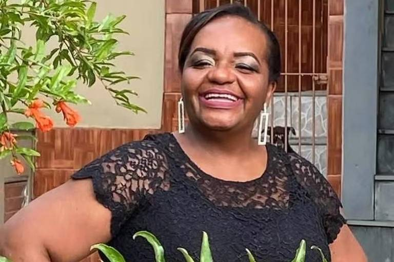 Mônica Calazans tem 54 anos e trabalha na UTI do Instituto de Infectologia Emílio Ribas (Foto: Arquivo pessoal)