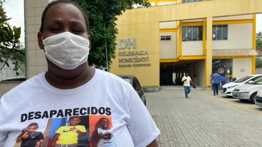 Tatiana da Conceição Ribeiro, mãe de Fernando Henrique, um dos meninos desaparecidos em Belford Roxo (RJ) (Foto: Herculano Barreto Filho/UOL)