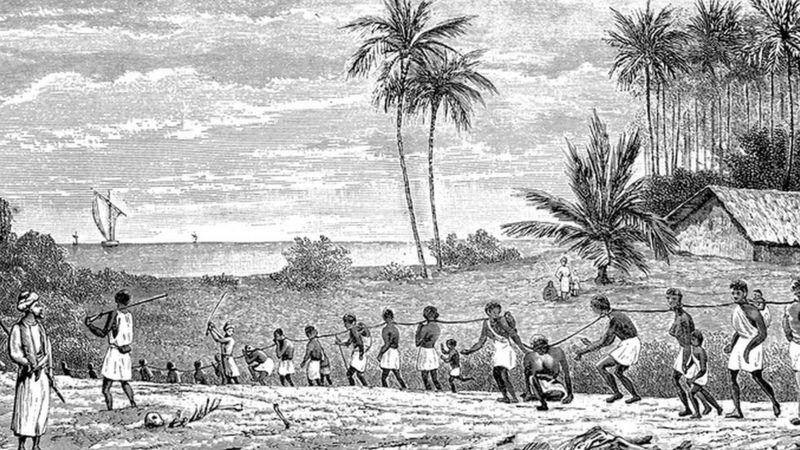 Historiadores vêm tentando resgatar a trajetória de pessoas negras escravizadas na época colonial a partir de um amplo leque de documentos da época (Getty Images)