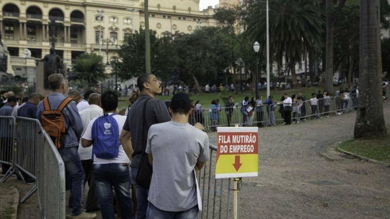 Em meio a desemprego recorde e pior fase da pandemia, as duas principais estatísticas do mercado de trabalho brasileiro apresentam problemas, apontam economistas (Foto: AGÊNCIA SINDICAL)