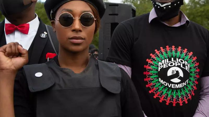 Sasha Johnson, ativista do movimento Black Lives Matter, durante manifestação em Londres Foto: Thabo Jaiyesimi/SOPA Images/LightRocket via Getty Images