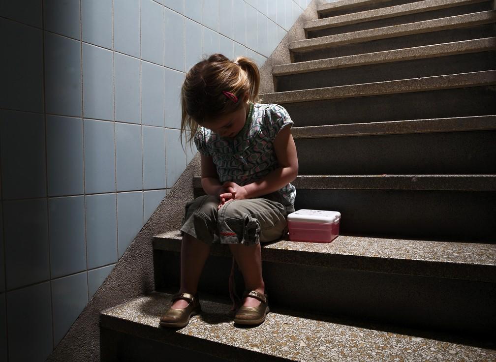 Vítimas do sexo feminino são a maioria entre as vítimas de violência contra crianças (Foto: Roos Koole/ANP/Arquivo)