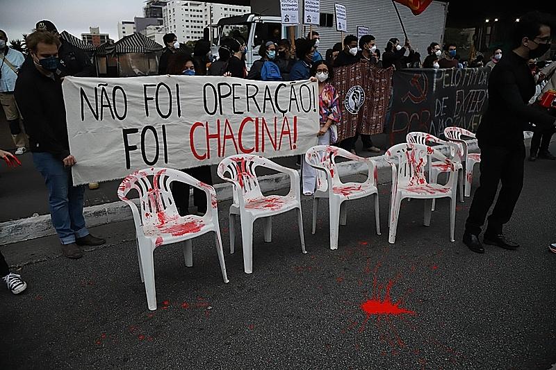 Cada vez surgem mais dados técnicos a reforçar a tese de que uma chacina aconteceu em Jacarezinho - Foto: Roberto Parizottim / Fotos Públicas