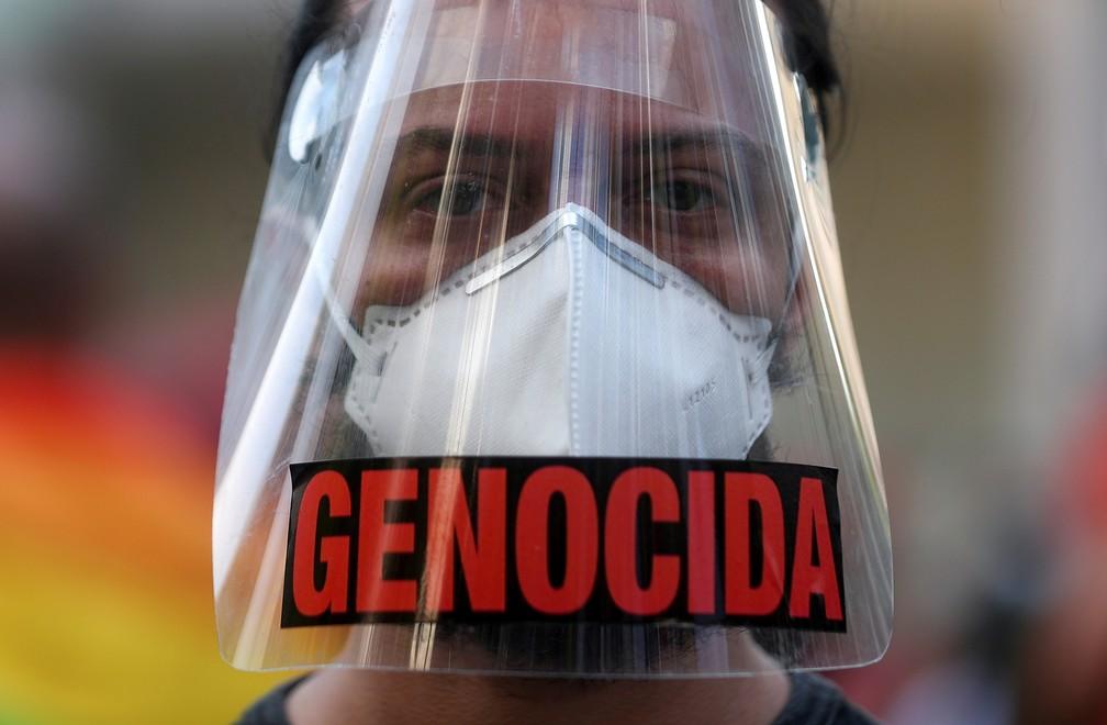 Rio de Janeiro - Manifestantes protestam contra o presidente Jair Bolsonaro neste sábado (29) (Foto: Pilar Olivares/Reuters)