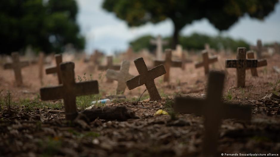 """""""Somos um país genocida. Não apenas hoje, quando temos quase 400 mil mortos pela pandemia. Mas desde sempre."""""""