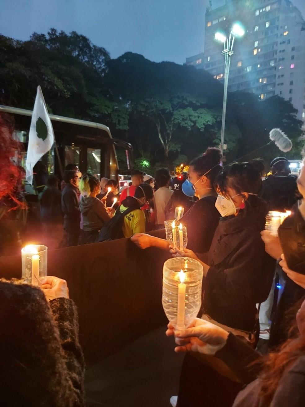 Vigília contra o assassinato de pessoas negras na Avenida Paulista nesta sexta-feira (11).  (Foto: Divulgação/Coalizão Negra por Direitos)
