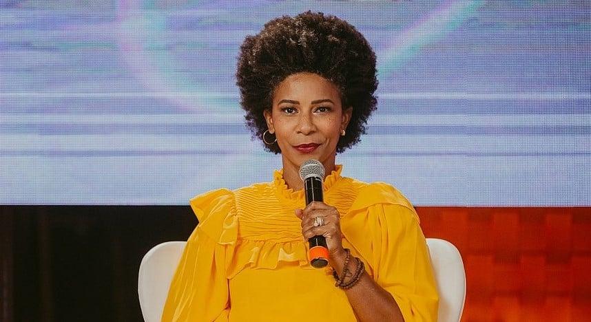 Rita Batista em cena do Mulher com a Palavra 2021, que pela primeira vez será um programa de televisão (Foto: Caio Lirio/Divulgação)